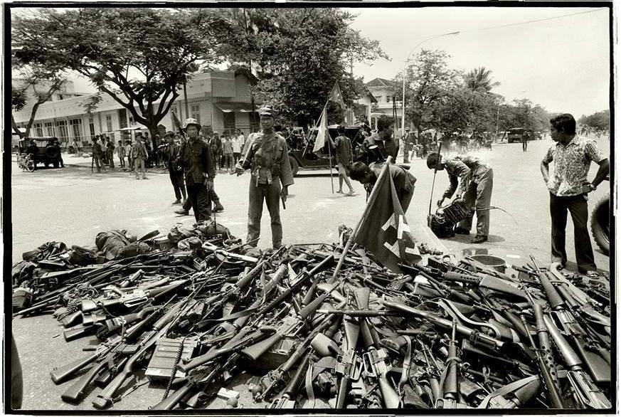 Wall Exhibition: CAMBODIA: Years of Turmoil by Roland Neveu