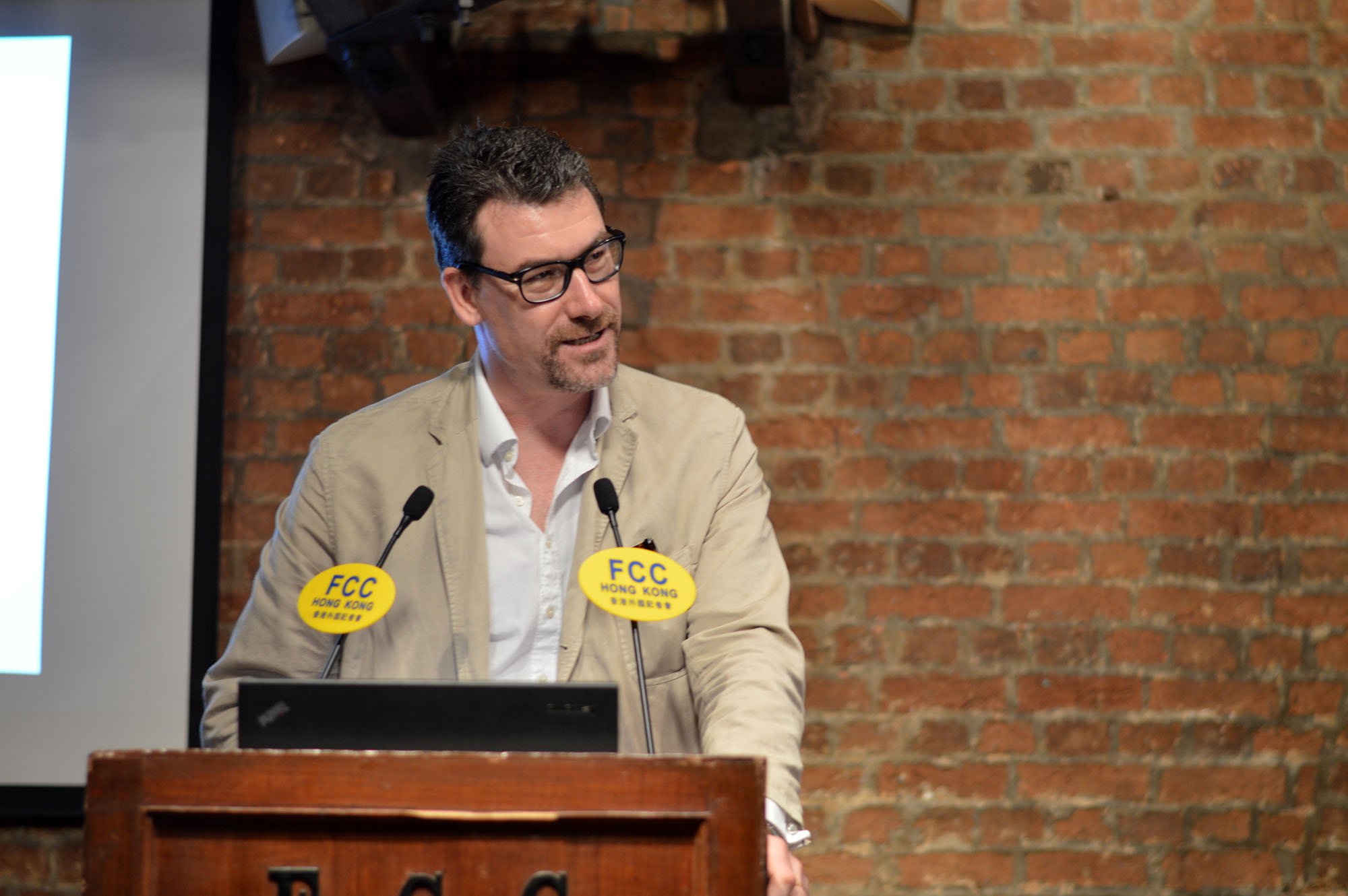 Acclaimed writer Paul French recounts tales from old Shanghai at the FCC. Photo: Sarah Graham/FCC
