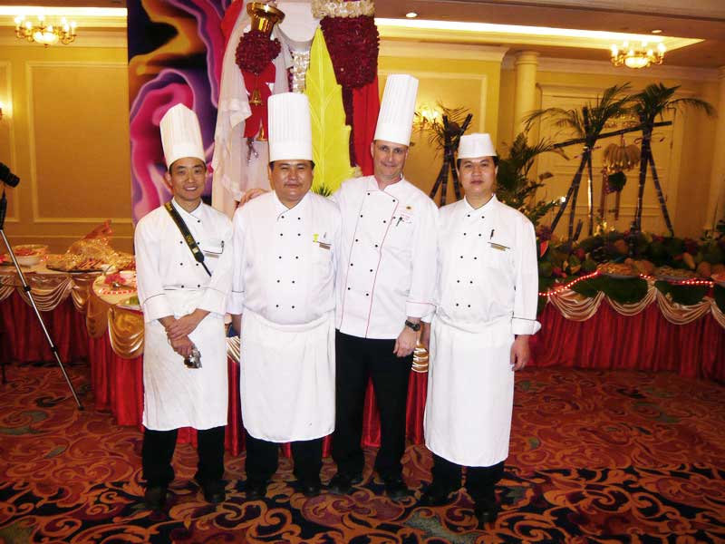 The kitchen team in Jinan.