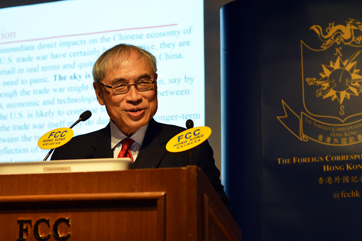 Professor Lawrence Lau gave his expert opinion on how the US-China trade war would play out. Photo: Sarah Graham/FCC