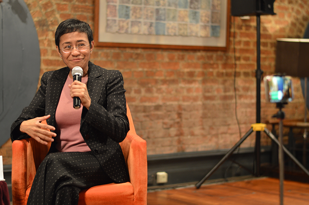 Maria Ressa talks to FCC President Florence de Changy at the May 17 club lunch. Photo: Sarah Graham/FCC