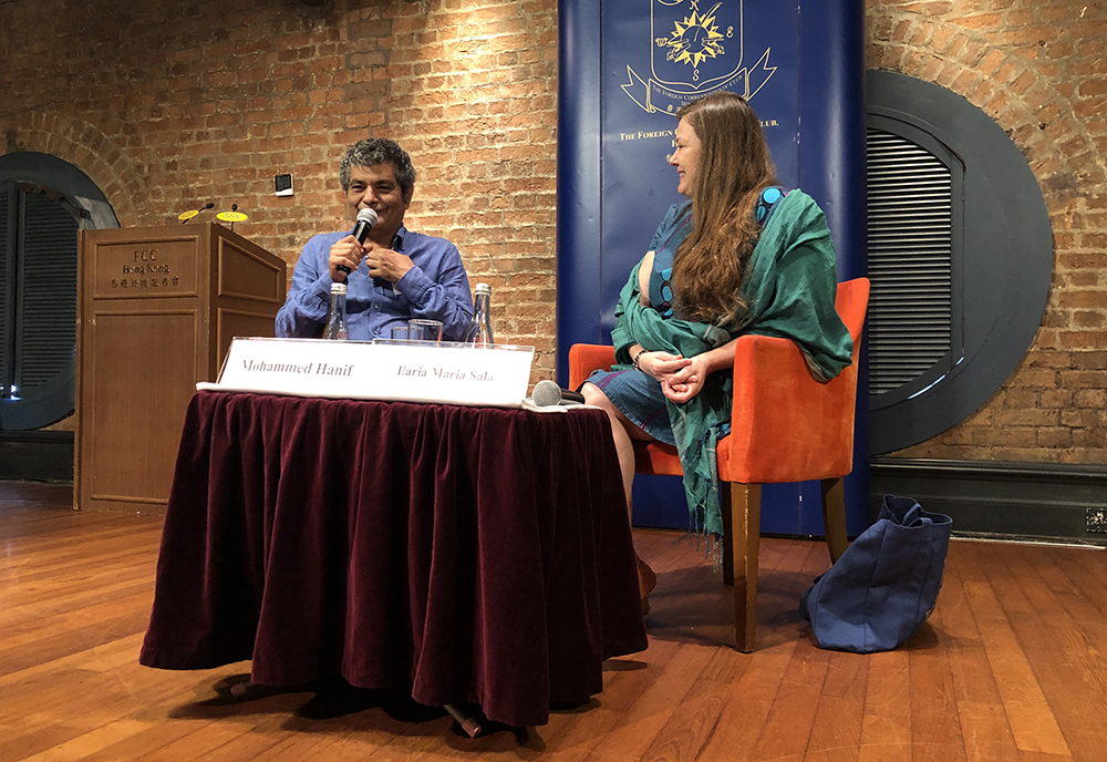 Novelist Mohammed Hanif in conversation with Ilaria Maria Sala. Photo: Sarah Graham/FCC