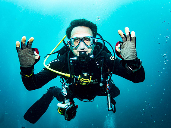 Christopher Dillon, here on a recent dive, wants others to discover the joys of diving